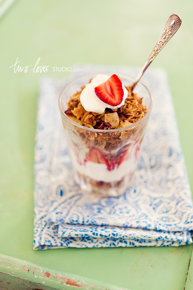 two-loves-studio-coconutty-granola3