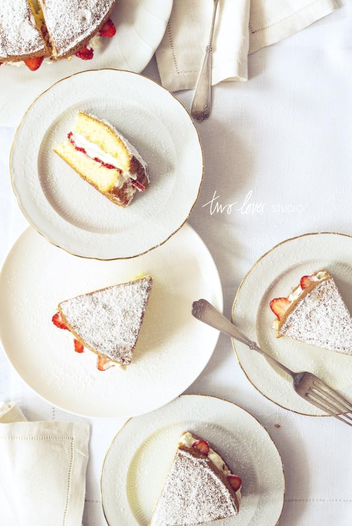two-loves-studio-sponge-cake-1