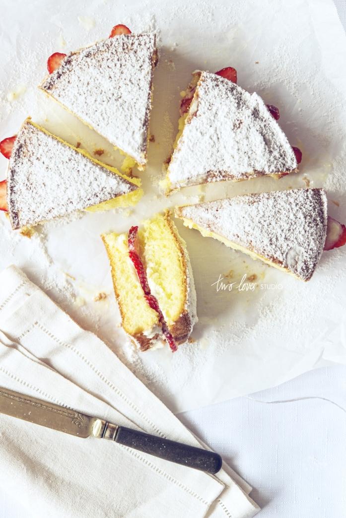 two-loves-studio-sponge-cake-3