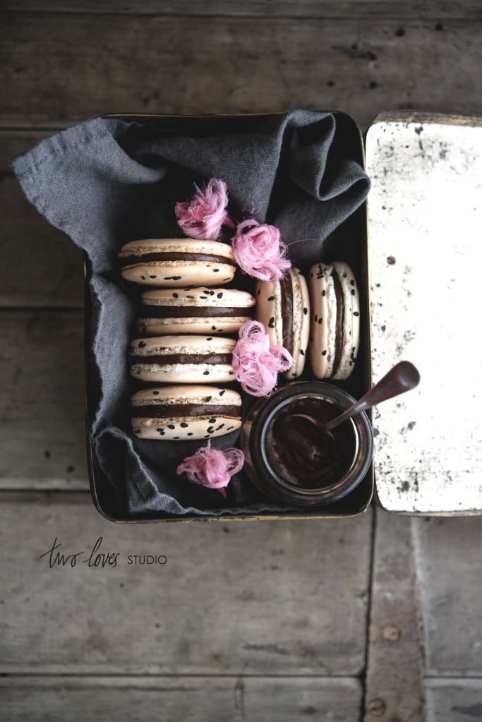 two-loves-studio-Liquorice-Macarons9