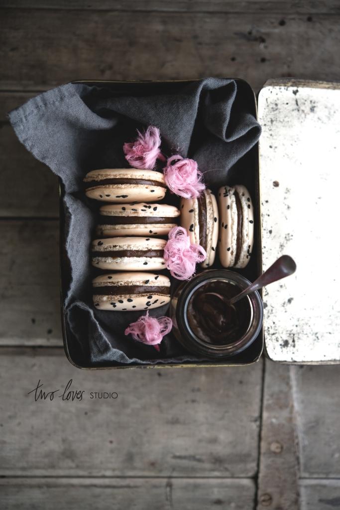 two-loves-studio-Liquorice-Macarons9